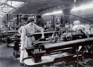 Dona en una fàbrica a començament del segle XX